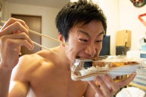 【のり弁当(セブンイレブン)】糖質制限ダイエットの観点から見る食品の栄養成分 - そのカロリーと糖質