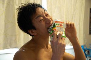 【ザバスミルクプロテイン】糖質制限ダイエットの観点から見る食品の栄養成分 - そのカロリーと糖質