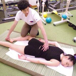 筋膜連結を用いた筋膜リリース